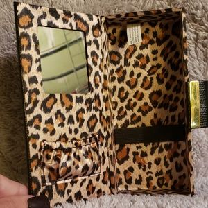 Accessories - Travel Makeup Box